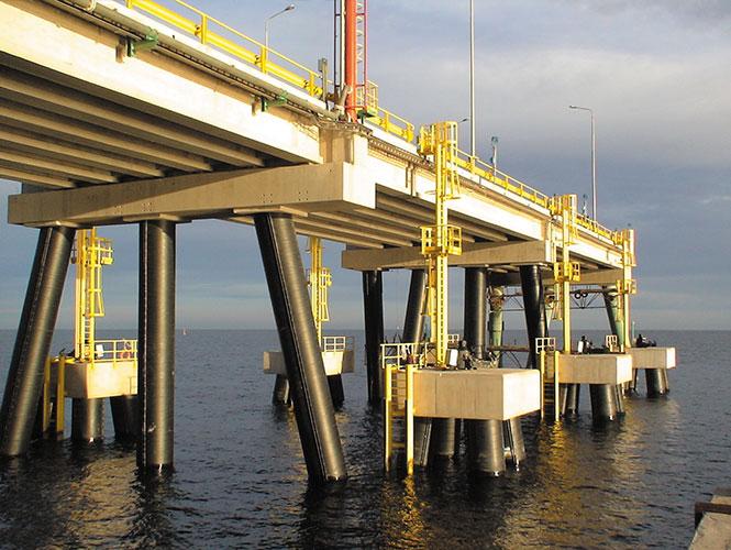SeaShield 2000 FD applied to jetty piles