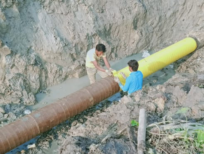 Denso Marine Piling Tape applied to pipeline